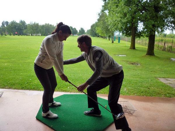 Vuoi imparare a giocare a golf ? Le nostre proposte